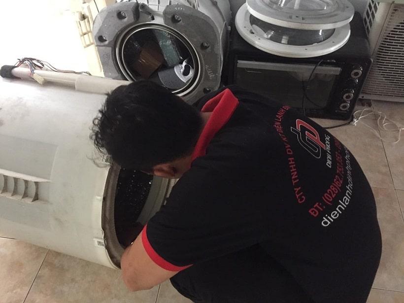 Vệ sinh máy giặt tại quận 1
